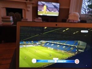 Laptop Arsenal.......& background cricket